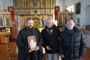 В гости приехал выдающийся сербский режиссер и драматург Йован Маркович, он привез в Димитриевский храм икону «Белый ангел».